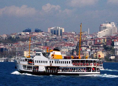 Najbardziej popularny rodzaj promu w Istambule.