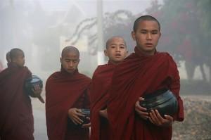 Mnisi w Birmie