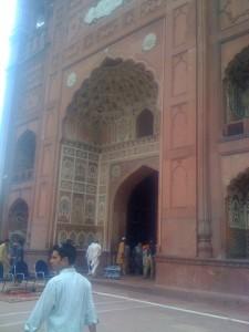Lahore - brama do meczetu królów