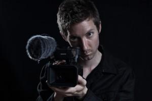 "Wywiad z Ianem Thomasem Ashem – reżyserem filmu ""A2-B-C"""