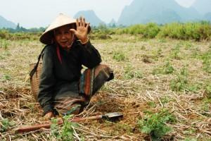 Vang Vieng. Opona i kajak w rytmie techno