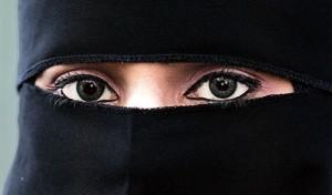 Za czarną zasłoną. Kobiety w Arabii Saudyjskiej.